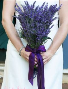 ♡ Lavender flower #wedding #Bouquet ... For wedding ideas, plus how to organise an entire wedding, within any budget ... https://itunes.apple.com/us/app/the-gold-wedding-planner/id498112599?ls=1=8 ♥ THE GOLD WEDDING PLANNER iPhone App ♥  For more wedding inspiration http://pinterest.com/groomsandbrides/boards/ photo pinned with love & light, to help you plan your wedding easily ♡