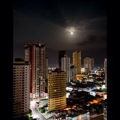"""""""Tem dia que a noite é linda!  #nx300 #nx300m #belem #belemeuamoeucuido #moon…"""