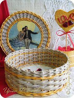Поделка изделие Валентинов день Плетение LOVE is    Бумага газетная Гипс Картон гофрированный Клей Материал бросовый Трубочки бумажные фото 12