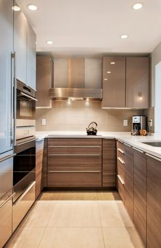 8 Simple and Impressive Tips: Kitchen Remodel Blue Spaces long kitchen remodel cabinets.Small Kitchen Remodel Renovation u shaped kitchen remodel window. Kitchen Room Design, Small Space Kitchen, Kitchen Cabinet Design, Interior Design Kitchen, U Shape Kitchen, Small Spaces, Small House Kitchen Ideas, Small Apartment Kitchen, Family Kitchen