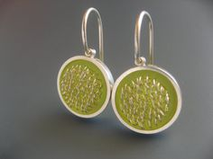 """Silver Earrings in chartreuse """"loops in frames"""" by Mabotte #Etsy"""
