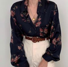 Favorite, absolutely beautiful vintage rosette pure charmeuse silk button up blouse. Most special print and loveliest drape. Online now. Classy Outfits, Vintage Outfits, Cool Outfits, Casual Outfits, Beautiful Outfits, Vintage Fashion, Look Fashion, Korean Fashion, Fashion Outfits