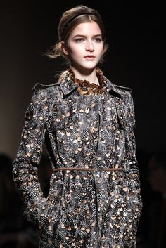 Valentino Fall 2011 Ready-to-Wear Fashion Show Details