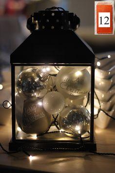12. Luukku  Tänään kalenteriluukusta paljastuu sisustusvinkki; Lyhtyä voit käyttää monin tavoin ja tässä yksi kiva esimerkki lyhdyn somistamisesta. Kauniit joulupallot + valot lyhtyyn ja se on siinä.  P.s. Kuvan joulupallot löydät meiltä. ;)