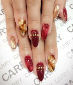 Artificial Nail Tips Red Glitter Hand Painted False Fake Nails Petite Short Square Oval 010