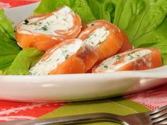 Rollitos de salmón noruego
