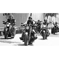 ike #biker #bikergang #helmet #cycle #bikelife #streetbike #cc #instabike #instagood #instamotor #motorbike #photooftheday #instamotorcycle #instamoto #instamotogallery #supermoto #cruisin #cruising