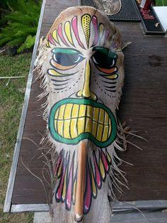 Tiki Palm Frond Palm Frond Art, Palm Tree Art, Palm Fronds, Palm Trees, Yard Art Crafts, Diy Crafts, Tiki Faces, Tiki Man, Leave Art