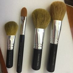 BareMinerals brush set Bare minerals brushes, Full Flawless face, flawless face regular size and mini size, max coverage concealer, authentic. bareMinerals Accessories