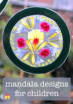 how to make a mandala :: mandala crafts :: flower mandalas :: flower craft Nature Crafts, Fun Crafts, Crafts For Kids, Arts And Crafts, Nature Activities, Activities For Kids, Educational Activities, Tattoo Brazo, Gif Disney