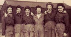 A group of Army nurses ~