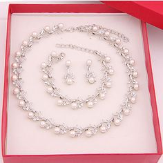 Pearl Bridal Jewelry Sets, Women's Jewelry Sets, Pearl Jewelry, Wedding Jewelry, Women Jewelry, Gold Jewelry, Jewelry Shop, White Necklace, Beaded Necklace