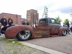 rat rod trucks and cars Hot Rod Trucks, Big Rig Trucks, Cool Trucks, Cool Cars, Semi Trucks, 1952 Chevy Truck, Truck Flatbeds, Chevy Trucks, Truck Drivers