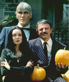 Addams Fanily. A rather rare shot of the cast IN COLOR....how odd.