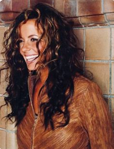 Sara Evans Diet and Exercise. LOVE her hair! Country Female Singers, Country Music Artists, Sara Evans, Celebrity Diets, Best Country Music, Thing 1, My Favorite Image, Gorgeous Hair, Amazing Hair