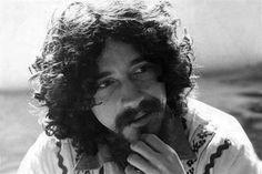 Raul Seixas é homenageado em espetáculo musical baratinho