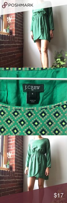 J.Crew Spring Green Dress 🌿✨ Polyester, size 6, unique pattern, cute as a button. Kind of small on me... but you get the idea. I am 5'8 and have a wider waist and smaller chest. J. Crew Dresses Mini