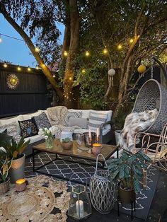 Small Courtyard Gardens, Small Courtyards, Kew Gardens, Small Backyard Design, Small Backyard Landscaping, Backyard Ideas, Patio Ideas, Diy Patio, Small Patio