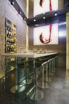 La Cave du Vin 9, 29 rue du Pont Neuf, Paris I. A project by: Cyrille Druart /  Interior : Urban Design