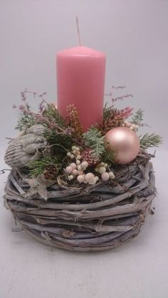 Filling Your Home with Favorite Christmas Scents- Pink Candles - Adventskranz Ideen Christmas Scents, Pink Christmas, Simple Christmas, Christmas Time, Christmas Wreaths, Christmas Candle Decorations, Christmas Flower Arrangements, Christmas Candles, Table Decorations