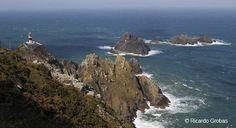 Cabo Ortegal (Cariño, A Coruña).  Altura: 10 metros  Elevación: 124 metros  Alcance: 18 millas