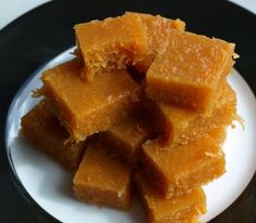 Carrot fudge... Interesting... perhaps I'll try this with a little pumpkin and spice?
