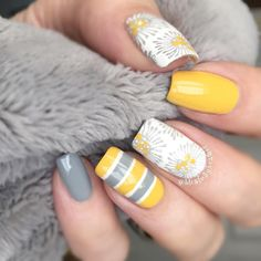 24 Trendy Nails Design Yellow And Grey Gray : 24 Trendy Nails Design Yellow And Grey Gray Gray Nails, Striped Nails, Pink Nails, Orange Nail Designs, Yellow Nails Design, Gel Nails French, French Manicure Designs, Manicure Colors, Vernis Semi Permanent