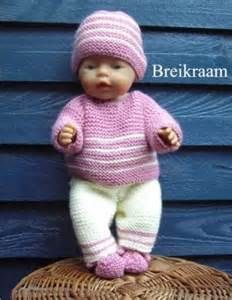 Knitting pattern Babyborn in pastel Knitting Dolls Clothes, Crochet Doll Clothes, Knitted Dolls, Doll Clothes Patterns, Doll Patterns, Baby Born Clothes, Girl Doll Clothes, Baby Born Kleidung, Baby Knitting Patterns