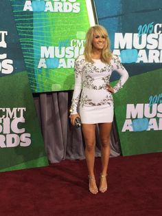 Carrie Underwood CMT Awards 2015
