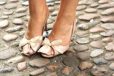 Marc Jacobs nude bow heels