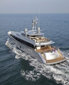 COMO superyacht - aft view