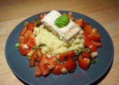 Aardappelpuree met tomaten salade en kabeljauwfilet.. Een heerlijke maaltijd! #diner #healthy #food // FitVanilla