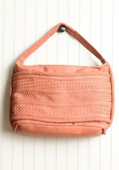 {perfectly peach purse} this is just so peachy! want.