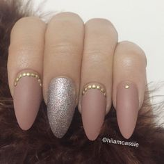 Set of Stiletto Press on Nails with Hand from hiiamcassie on Etsy