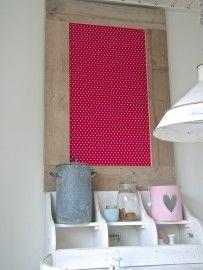 Prikbord steigerhout middel (M) roze sterren