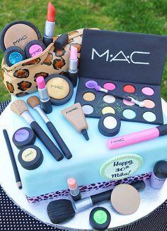 #mac Make up set themed cake