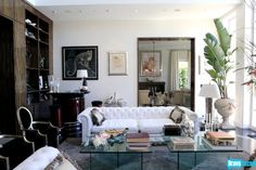 The Real Housewives of Beverly Hills Season 3 - Tour Lisa Vanderpump's New Home (and Closet!)