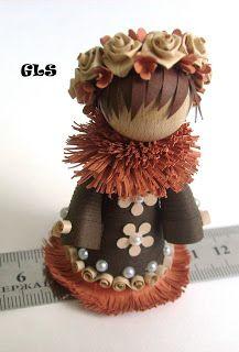 Это моя первая куколка и делала я ее по фото работ замечательного мастера  Amna Al Fardh    http://alfardh.blogspot.ru/2011/01/new-bride.html . А это ее 1145 кукол      http://www.youtube.com/watch?feature=player_embedded=T95NUrUhKlo