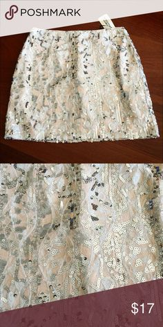 """🆕 Forever 21 Blush Sequin Skirt New with tags! Beautiful blush skirt with silver sequins. Size Small. Waist: 13.5"""". Length: 14.5"""". Forever 21 Skirts Mini"""
