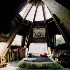 Oh ..maybe this is my ultimate dream..to have a bedroom like this! Or to have this in the garden :)
