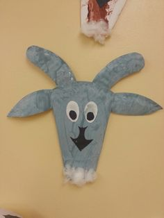 Paper plate grey goat