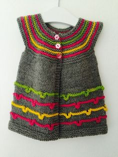 Wee La Nina pattern by Taiga Hilliard Designs Ravelry: Wee La Nina-Muster von Taiga Hilliard Designs This image has. Knitting Baby Girl, Knitting For Kids, Easy Knitting, Crochet Baby, Beginner Knitting Patterns, Knitting For Beginners, Knitting Designs, Knitting Ideas, Baby Sweaters