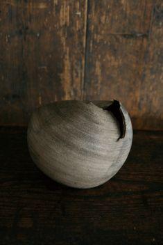 NISHIKAWA Satoshi, Japan #clay #japanese_ceramic