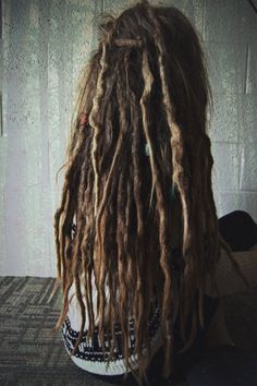 This is how my dreads we're when I first started them with twist & rip combined with backcomb and crochet. 6 months now and they've shrunk 5 inches! Now to wait for my hair to grow, or add some homemade Remy hair extensions...?