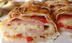 Sonkás-sajtos-paradicsomos rétes - Welcoming Easter: Ham, cheese, tomato pies Gourmet Recipes, My Recipes, Bread Recipes, Cooking Recipes, Favorite Recipes, Burek Recipe, Healthy Snacks, Healthy Recipes, European Cuisine