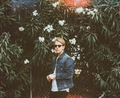 Tom Odell x Pretty People, Beautiful People, Tom Peters, Tom Odell, Salmon Skin, Another Love, Piano Man, Actors, Pretty Outfits