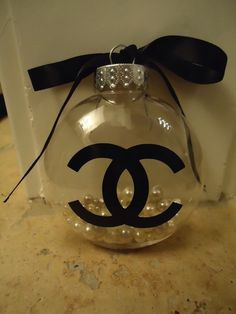 coz xmas wouldn't be xmas without chanel Christmas Love, Christmas Tree Ornaments, Christmas Crafts, Merry Christmas, Christmas Decorations, Xmas, Southern Christmas, Chanel Room, Mademoiselle Coco Chanel