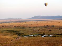 Oudtshoorn in South Africa hot air balloon Couple Activities, Honeymoon Inspiration, Tanzania Safari, Balloon Rides, Air Balloon, Vacation Packages, The Good Place, Tourism, Scenery