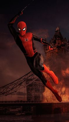Marvel phase is beginning with Spider-Man and his trip to Europe. Aunt May knows who's Spider-Man. Here are the 9 ultimate Reasons To Watch Spider-Man: Far From Home starring Tom Holland and Jake Gyllenhaal. Marvel Comics, Marvel Fan, Marvel Heroes, Marvel Avengers, Marvel Room, Spiderman Poster, Spiderman Art, Hulk Art, Marvel Universe