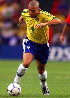 Brazil Football Team, Best Football Players, World Football, Soccer Players, Football Soccer, Ronaldo 9, Cristiano Ronaldo, Champions League, Fifa